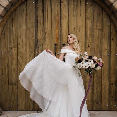 Modern Romance Wedding Styled Shoot _ Barn Wedding Noosa Hinterland Private Property